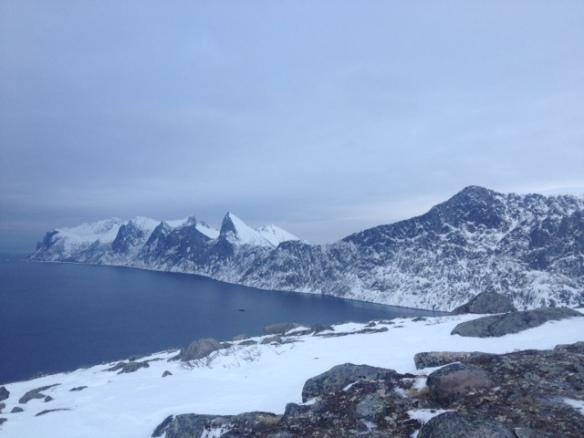 Skigåing, et godt alternativ til løping på vinteren. Nordveggen på Senja i februar.